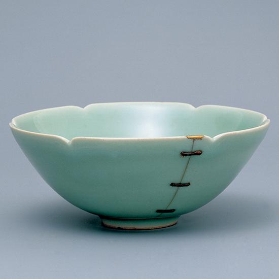 青磁輪花茶碗 鎹(馬蝗絆 ばこうはん)